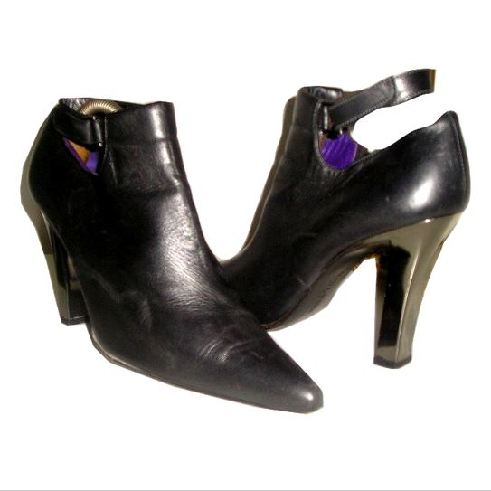 435fc08c214 80s RALPH LAUREN Metallic Grey Leather Ankle Strap Boots with Mirror Heel  7.5 - Purple Leather Lining