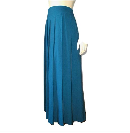 sold vintage 70s teal blue knit maxi pleated skirt 8
